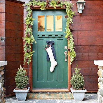10 Ide Kreatif Hiasan Pintu yang Kamu Bisa Buat Sendiri dd555ad0a8