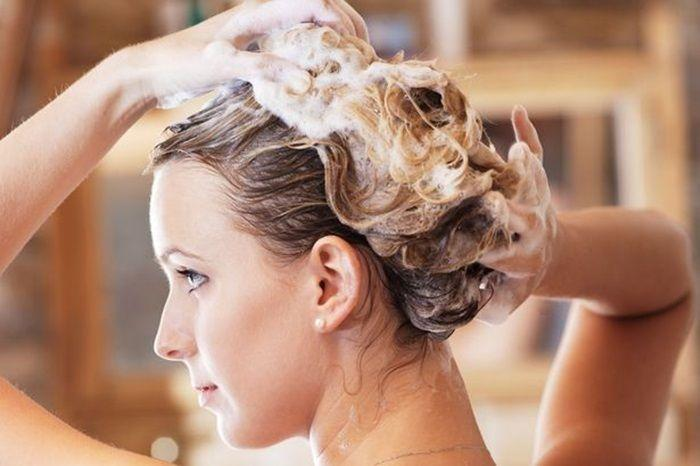 头皮出油这档事造成你的困扰?| 跟着这样做就能拥有干爽头皮,头发也不会塌塌der~