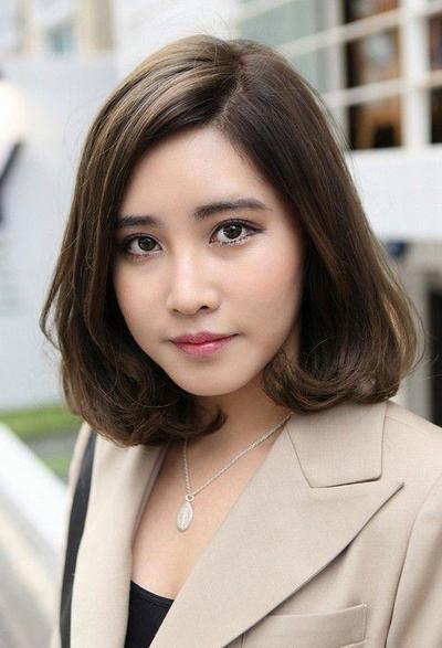 Foto Wanita Rambut Pendek Sebahu - foto cewek cantik