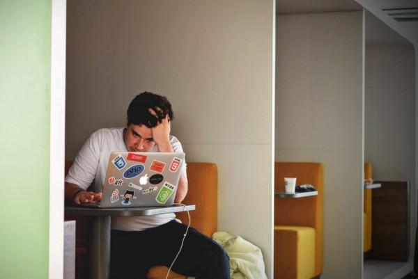 5 Hal Kegalauan Penerima Beasiswa yang Telat Lulus dan Sisi Positifnya 1