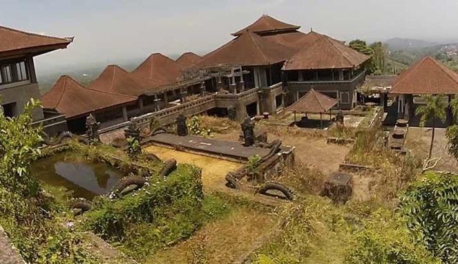 Kisah Hotel Megah Namun Mangkrak Di Bali Yang Dijuluki Hotel Berhantu Oleh Turis Asing Kurio